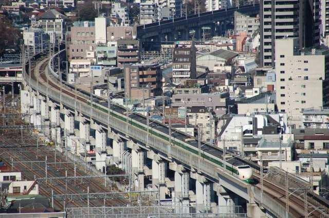 20120204shinkansen-type200.JPG